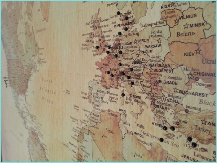 Big World Map Pinboard